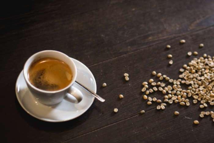 frischer Kaffee in einer Kaffeetasse