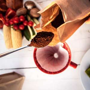 Für den Handfilter empfehlen wir eher fein gemahlenen Kaffee, um ein optimales Herauslösen der Aromen zu gewährleisten.